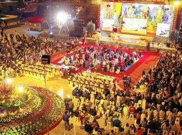 Cuộc Thi Rung Chuông Ba Vàng Đêm Giao Thừa Với Rất Nhiều Phật Tử Tham Gia