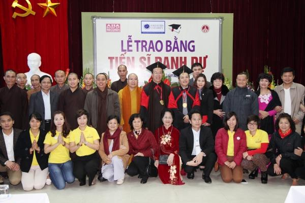 Lễ trao Bằng Tiến sĩ danh dự cho Đại đức Thích Trúc Thái Minh - Phó Trưởng Ban Thông tin Truyền thông Trung ương GHPG Việt Nam, Trụ trì Chùa Ba Vàng, TP Uông Bí, Quảng Ninh.