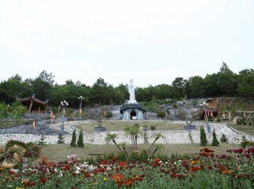 Vườn Sắc Xuân Chùa Ba Vàng