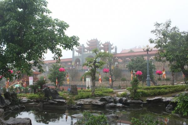 Chùa Ba Vàng TP Uông Bí, tỉnh Quảng Ninh.
