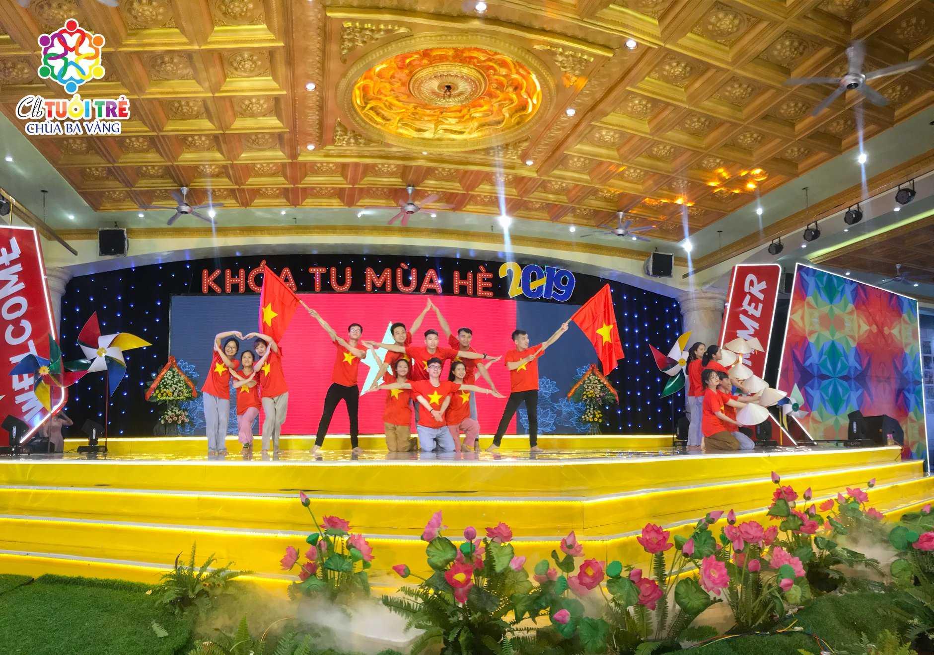 Bài nhảy của các bạn khóa sinh trong khóa tu mùa hè Chùa Ba Vàng.