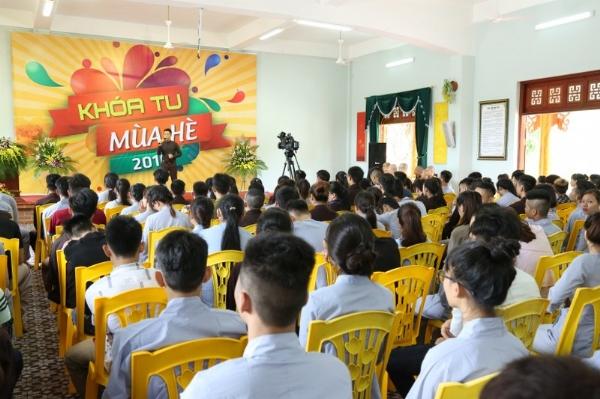 Văn nghệ chào mừng khóa tu mùa hè chùa Ba Vàng lần 4 năm 2016.