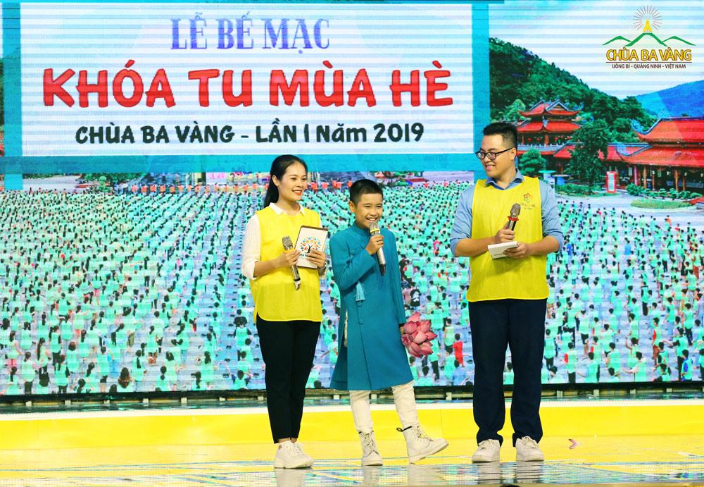 Nhật Minh cũng mong muốn một ngày nào đó được tham gia khóa tu mùa hè tại chùa Ba Vàng.