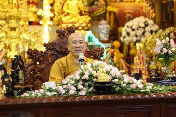 Thầy Thích Trúc Thái Minh trong bài giảng: Việc tụng kinh Paritta được lợi ích gì?