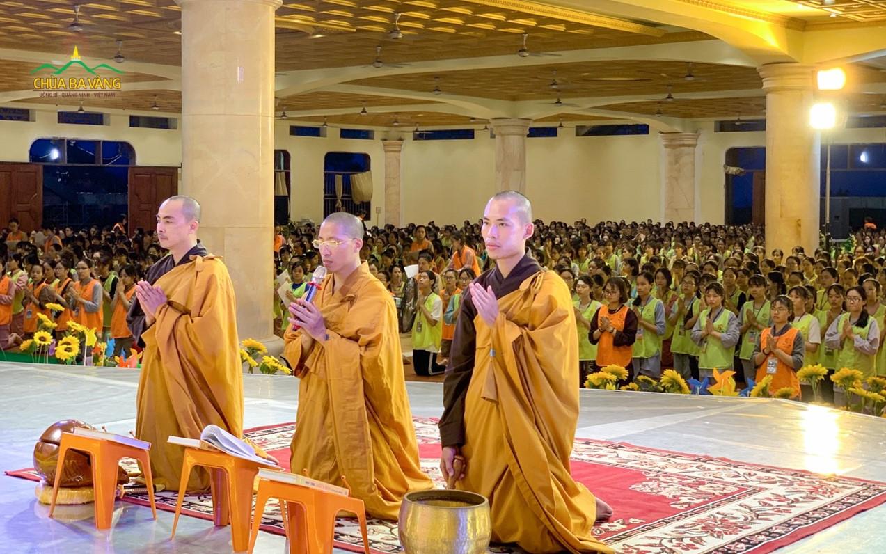 Thời khóa Sám hối Khóa tu mùa hè chùa Ba Vàng 2019