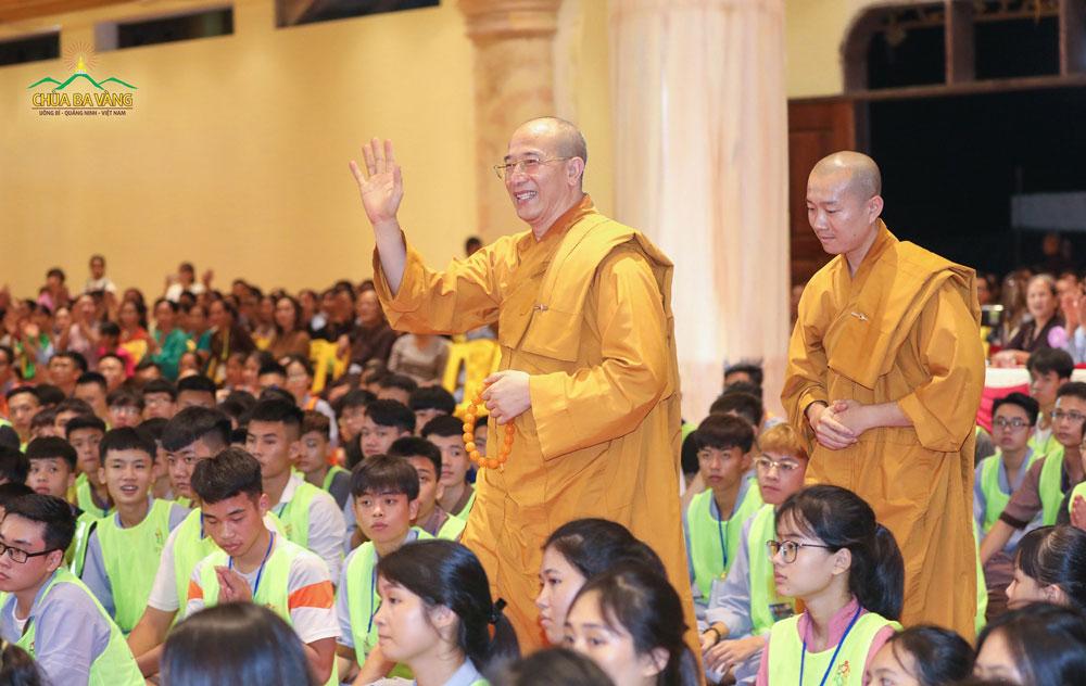 Sư Phụ Thích Trúc Thái Minh - Trưởng Ban tổ chức Khóa tu mùa hè lần 2 Chùa Ba Vàng
