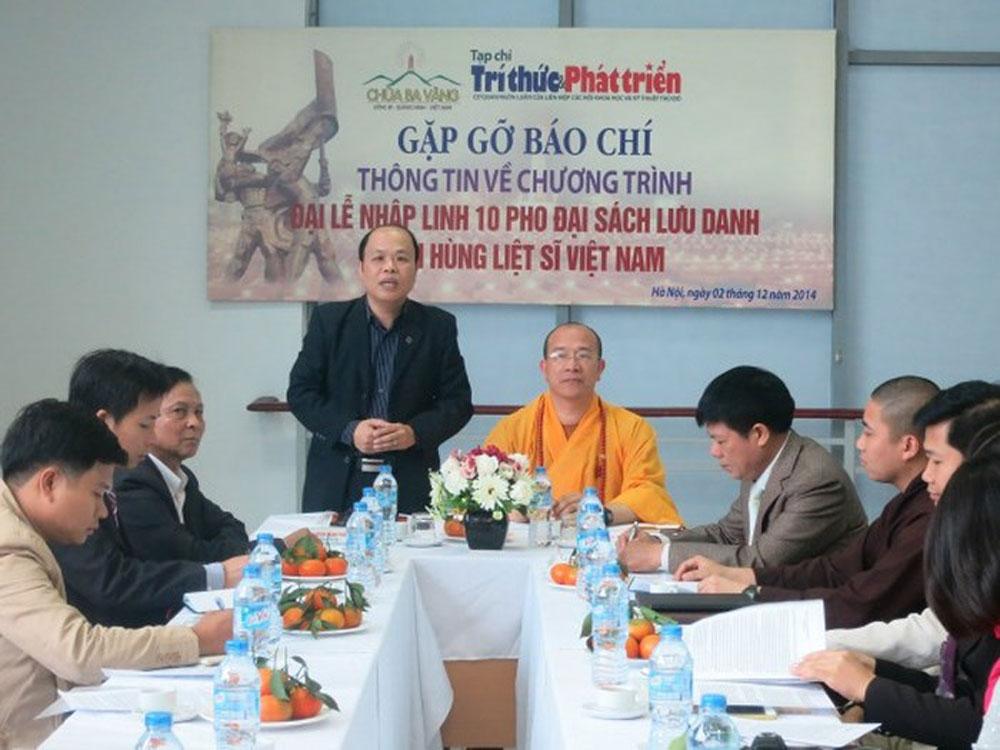 Cuộc gặp gỡ báo chí thông tin về chương trình Đại Lễ nhập linh 10 pho tượng sách