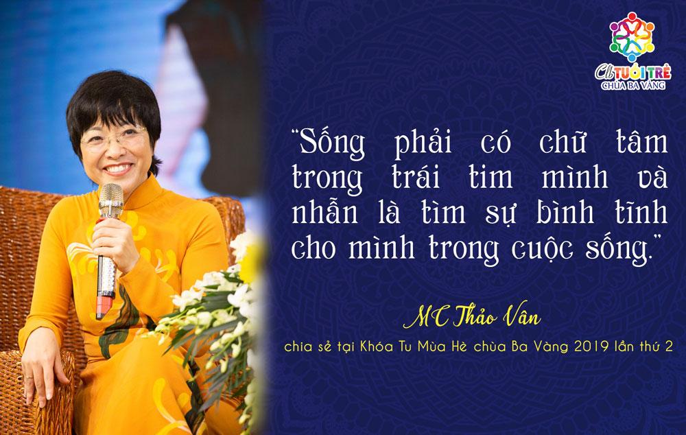 MC Thảo Vân có mặt tại chùa Ba Vàng để giao lưu với hơn 2000 bạn khóa sinh