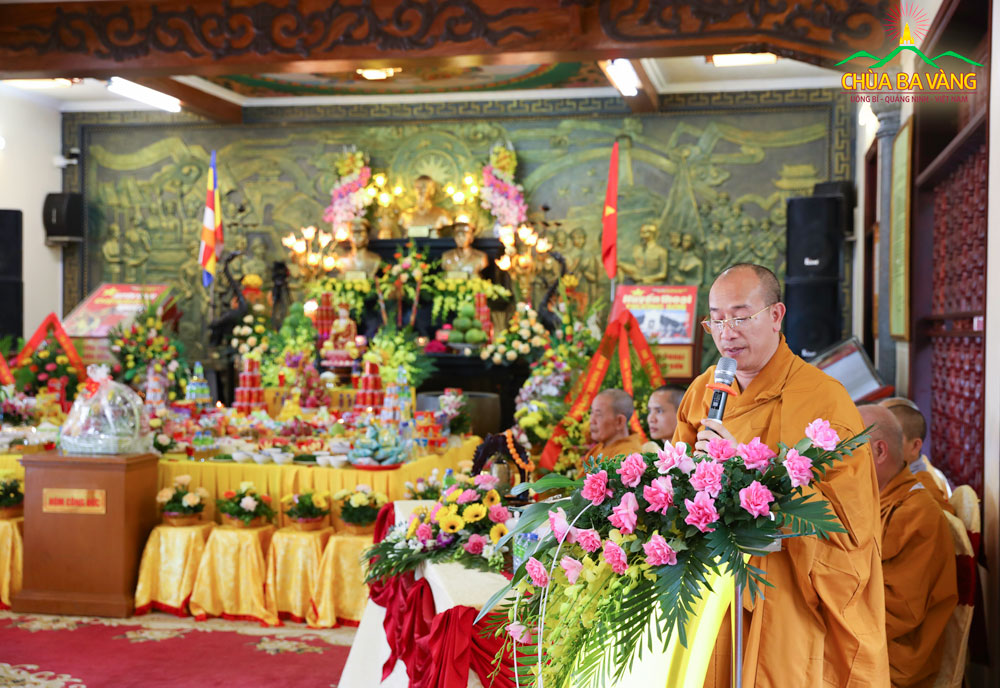 Sư Phụ Thích Trúc Thái Minh phát biểu tại đại lễ tri ân anh linh anh hùng liệt sĩ