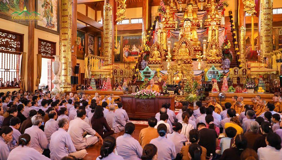Ngày tu Bất quan trai hàng tháng của Phật tử