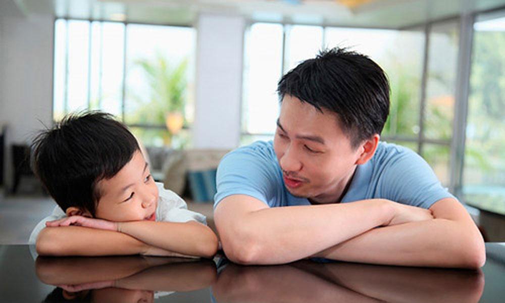 Cha mẹ làm bạn với con cái