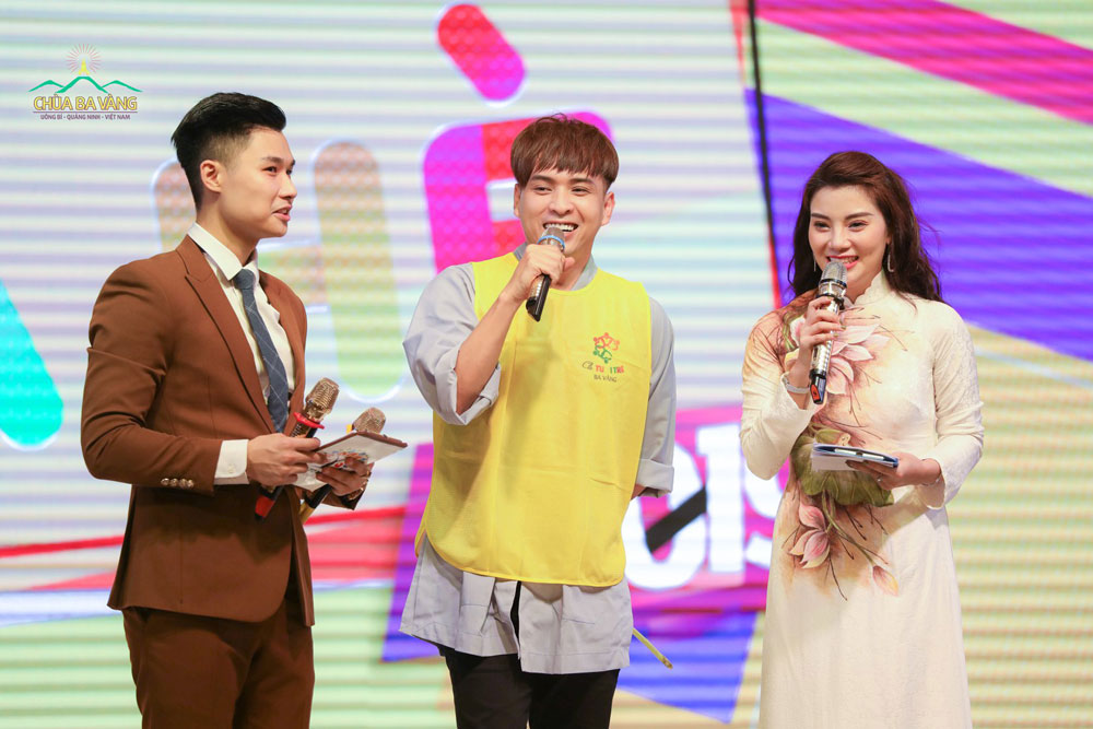 Ca sĩ Hồ Quang Hiếu chia sẻ cảm nhận khi quay trở lại chùa Ba Vàng