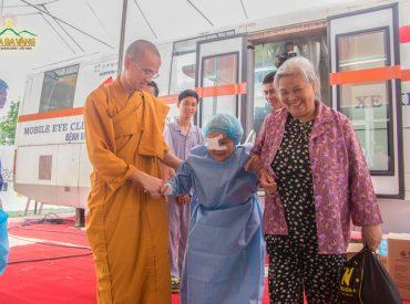Sự quan tâm chăm sóc đến từ chư Tăng chùa Ba Vàng