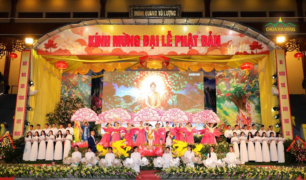 Chùa Ba Vàng tổ chức Kính mừng Đại Lễ Phật Đản