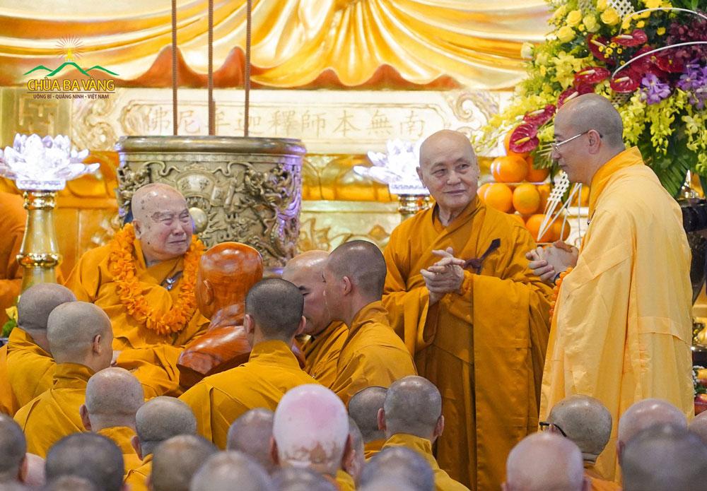Sư Phụ Thích Trúc Thái Minh gặp lại Ân Sư của mình (Năm 2018)