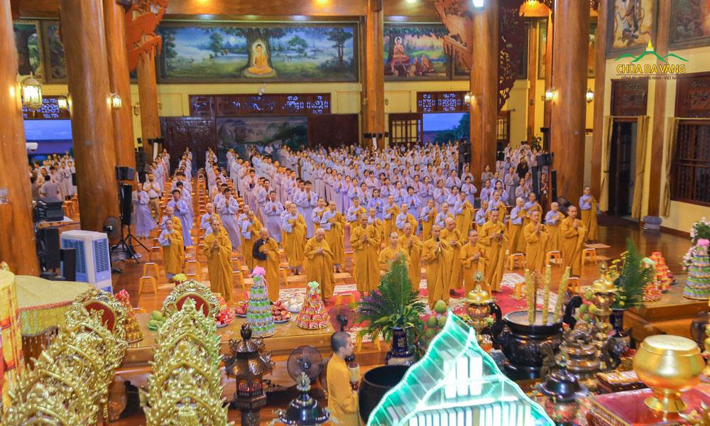 """Bài hát: """"Sám Nguyện"""" được chư Tăng và Phật tử đọc tụng vào ngày 14 và 30 hàng tháng"""
