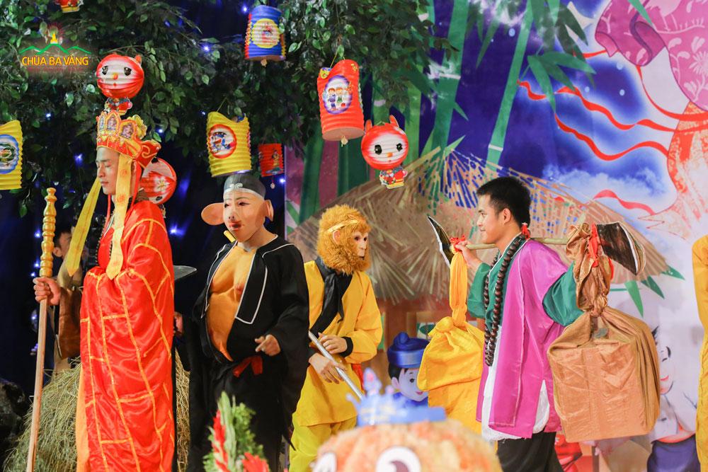 Sự xuất hiện của bốn Thầy trò Đường Tăng trong đêm Trung thu làm cho chương trình trở nên hấp dẫn hơn