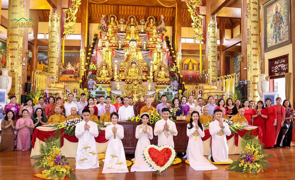 Lễ hằng thuận tại Chùa Ba Vàng