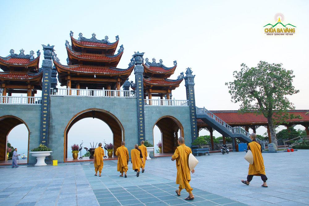Chư Tăng chùa Ba Vàng triển khai công tác chuẩn bị cho đại Lễ giỗ Tổ