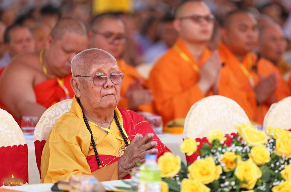 Hòa Thượng Thích Tịnh Liên – Tăng Trưởng An Nam Tông Phật giáo Thái Lan tham dự đại lễ giỗ tổ