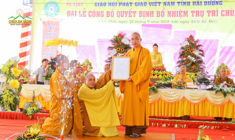 Đại đức Thích Trúc Bảo Pháp nhận quyết định bổ nhiệm Trụ trì chùa Sộp của Ban Trị sự Giáo hội Phật giáo Việt Nam tỉnh Hải Dương