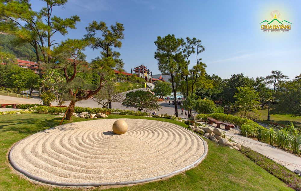 Một thoáng chùa Ba Vàng trong tiết trời mùa Thu