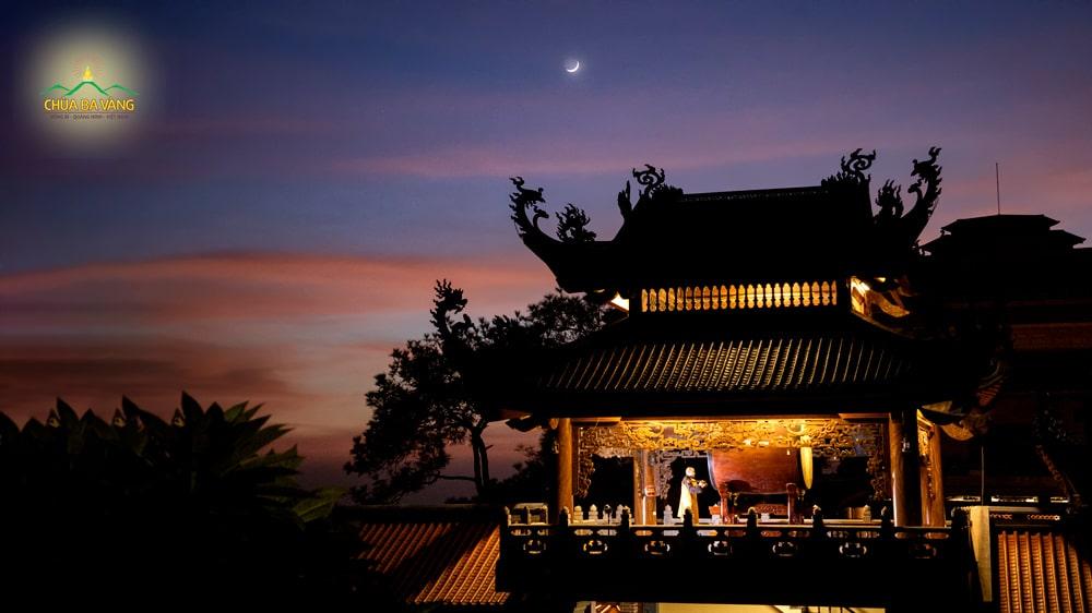 Hãy một lần đế chùa Ba Vàng để thưởng thức vẻ đẹp đêm thu