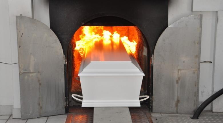 Theo quan niệm của Đức Phật, chết rồi nên hỏa táng, thiêu hay là chôn