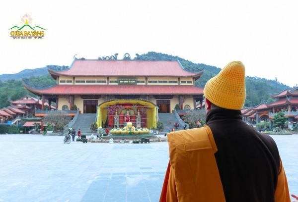 Không khí Tết đang chuẩn bị trên non thiêng thành đẳng chùa Ba Vàng.