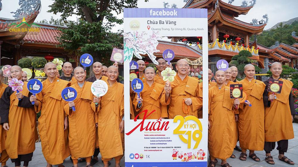 Sư Phụ Thích Trúc Thái Minh và chư Tăng chùa Ba Vàng đi du xuân đầu năm và check in tại các địa điểm