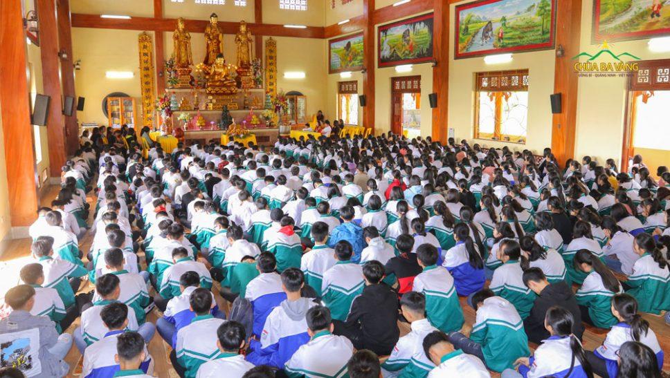550 học sinh và giáo viên trường THPT Đại Từ - Thái Nguyên đã có buổi ngoại khóa ý nghĩa tại chùa