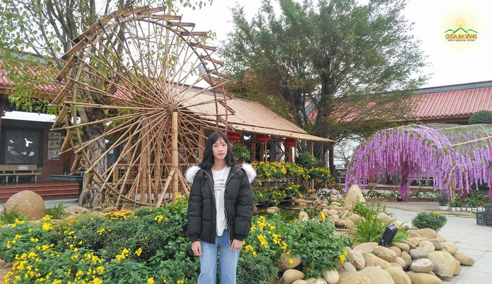Bạn Phạm Bá Linh - hiện đang là học sinh lớp 11A1 trường THPT Lương Phú