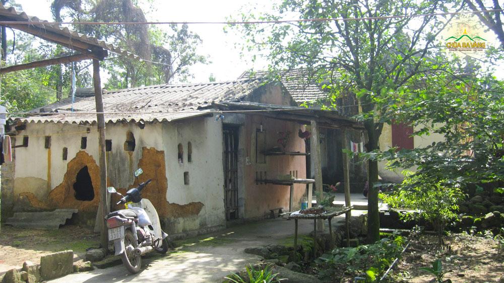 Nhà kho cũ của chùa Ba Vàng