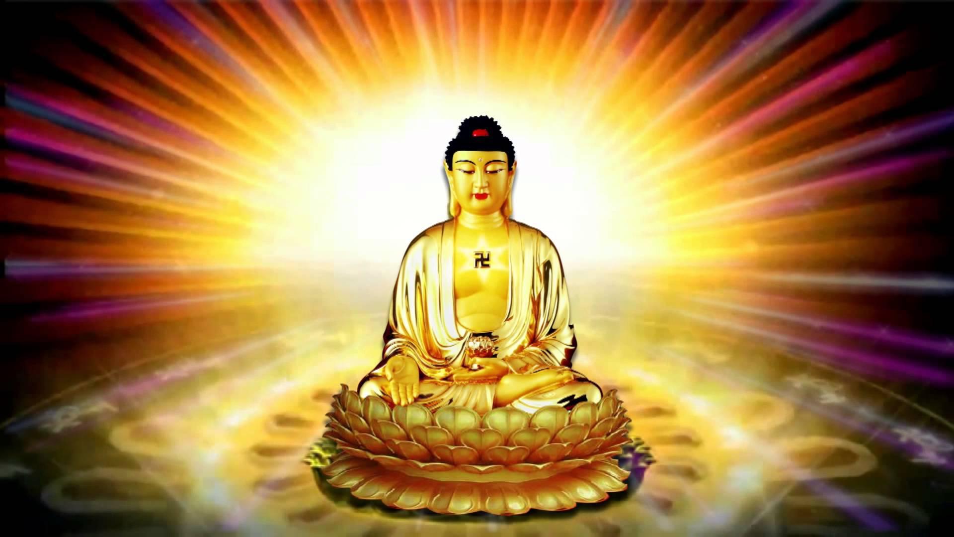 Ngôi báu thứ nhất trong Tam Bảo là Phật Bảo, ánh hào quang của vị Thầy vĩ đại soi sáng giống như ngọn hải đăng hướng dẫn và soi sáng nhân loại