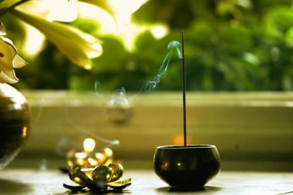 Nếu thực hành được tâm từ bi, giữ tâm thanh tịnh, chú tâm trì chú đại bi sẽ rất có lợi ích cho kẻ còn và người mất