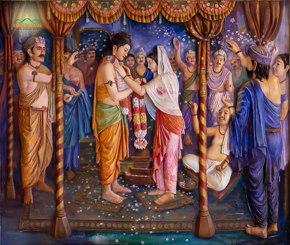 Vì lo lắng về lời tiên tri của đạo sĩ A Tư Đà về cuộc đời Đức Phật (Thái tử) sau này, vua Tịnh Phạn đã cho Thái tử kết hôn, sánh đôi cùng công chúa Da Du Đà La