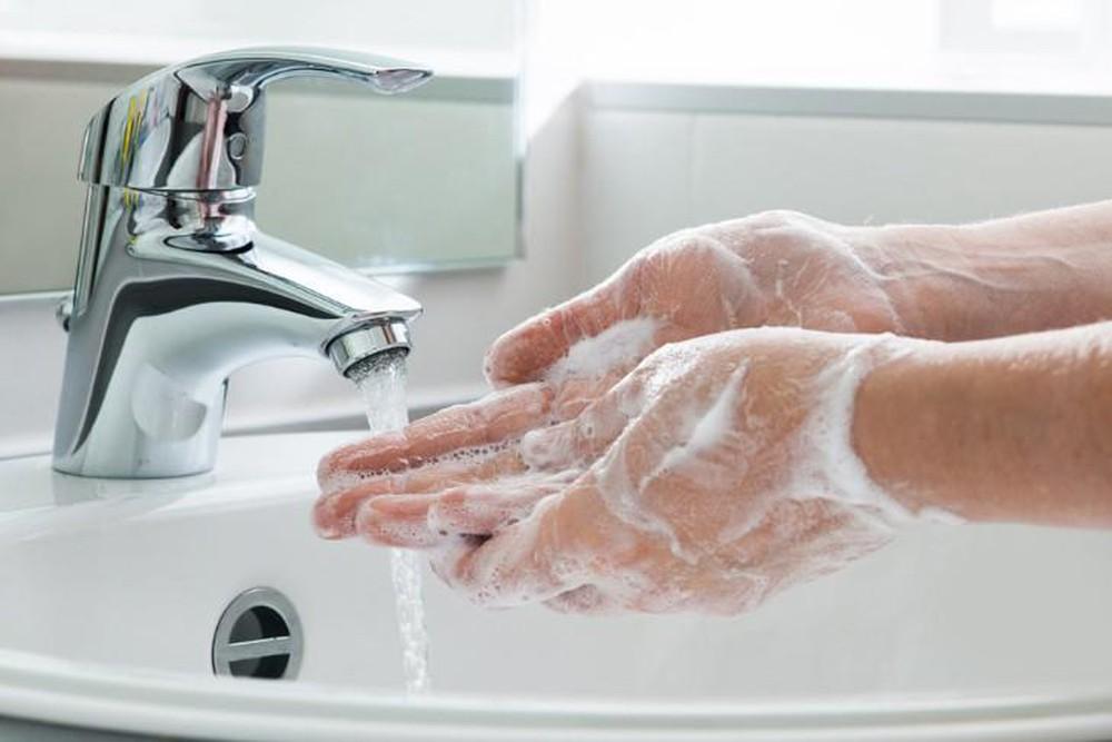 Việc rửa tay bằng xà phòng để phòng bệnh không mang tội sát sinh