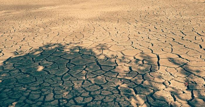 Đất đai tại vùng Vesali khô cằn, nứt nẻ vì hạn hán (Ảnh minh họa)