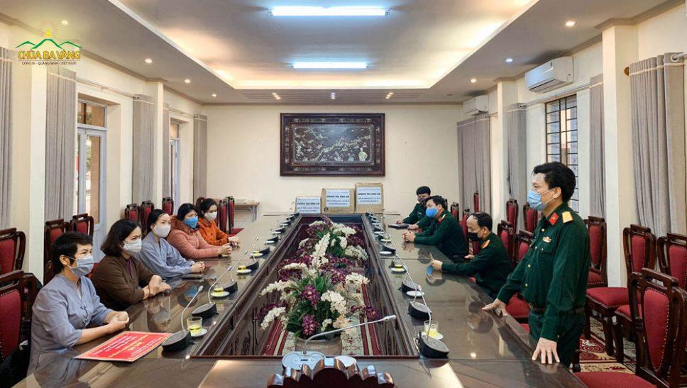 Ban giám hiệu nhà trường đánh giá rất cao tình cảm, trách nhiệm, sự đồng lòng của Phật tử chùa Ba Vàng trong công cuộc phòng, chống dịch bệnh COVID-19
