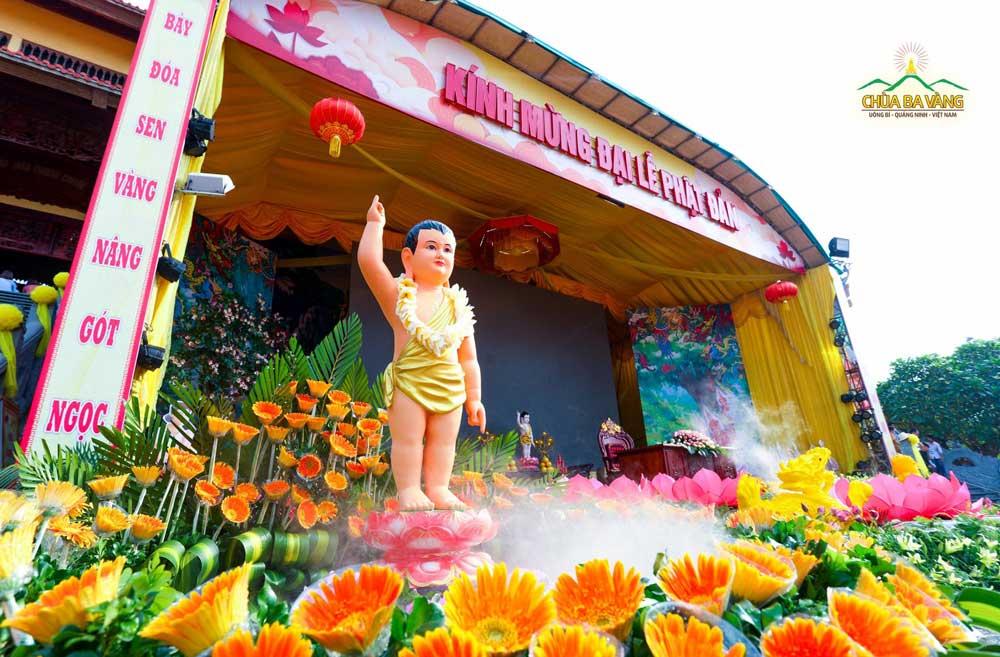 Đức Phật Thích Ca ra đời với bản nguyện là cứu độ chúng sinh, là nơi cho chúng sinh quy hướng
