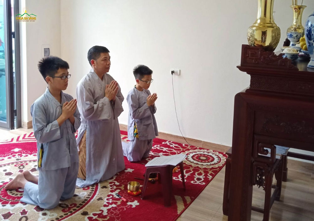 Thường xuyên sám hối với Phật thì tâm hồn sẽ được trong sạch và những tâm bất kính với Tam Bảo sẽ được giảm dần