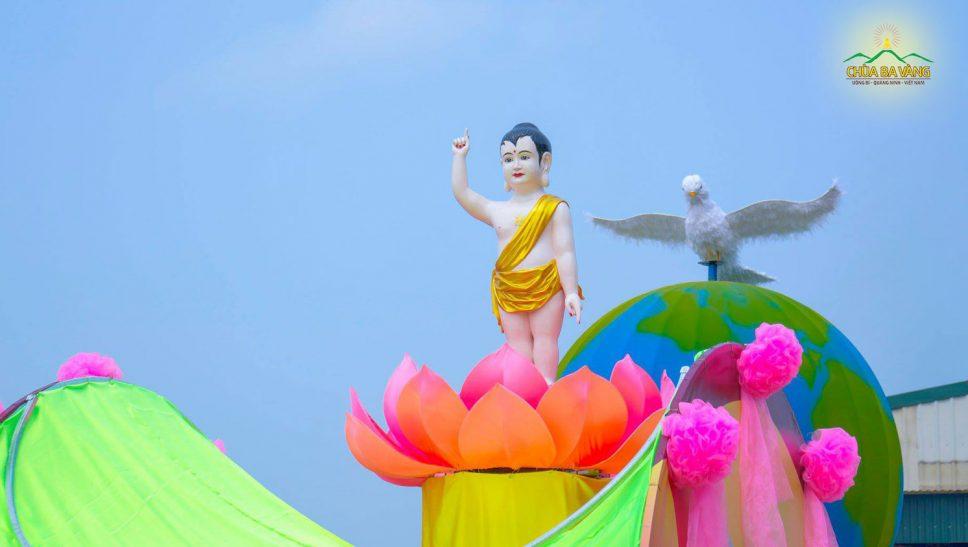 8 nhân duyên đặc biệt để Đức Phật đản sinh