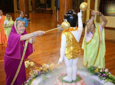 Tắm Phật chính là tắm rửa, gột rửa chính tâm hồn mình làm sao cho tâm hồn mình được trong sạch
