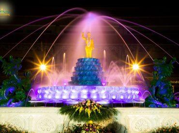 Hình ảnh chín con rồng phun nước tắm cho tôn tượng Kim thân Phật đản sinh tại chùa Ba Vàng