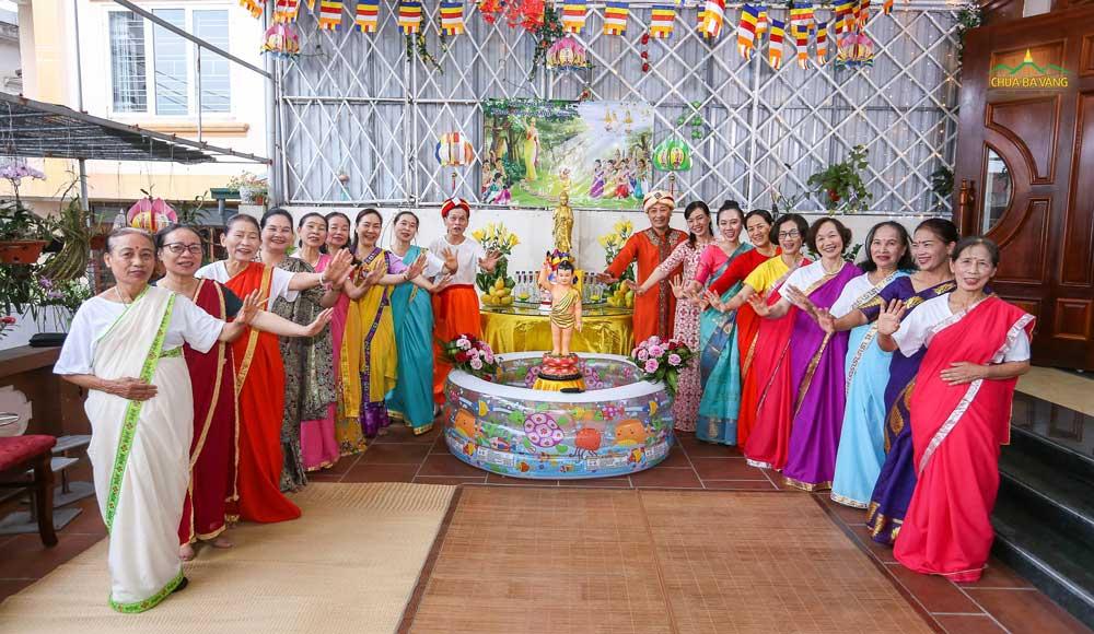 Phật tử chùa Ba Vàng hân hoan mừng Tết Phật đản 2020 tại nhà