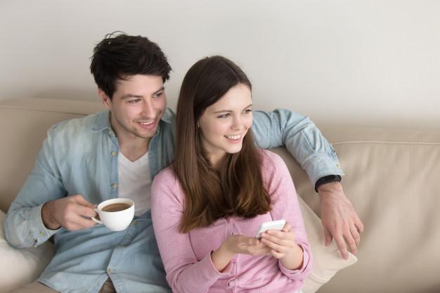 """Với lối sống thoải mái, cách suy nghĩ phóng khoáng nên nhiều cặp đôi đã quyết định """"sống thử"""" trước khi về chung một nhà (ảnh minh họa)"""
