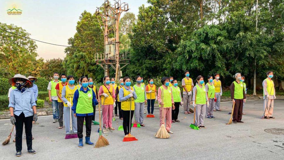 Phật tử chùa Ba Vàng góp sức vì một thủ đô xanh - sạch - đẹp