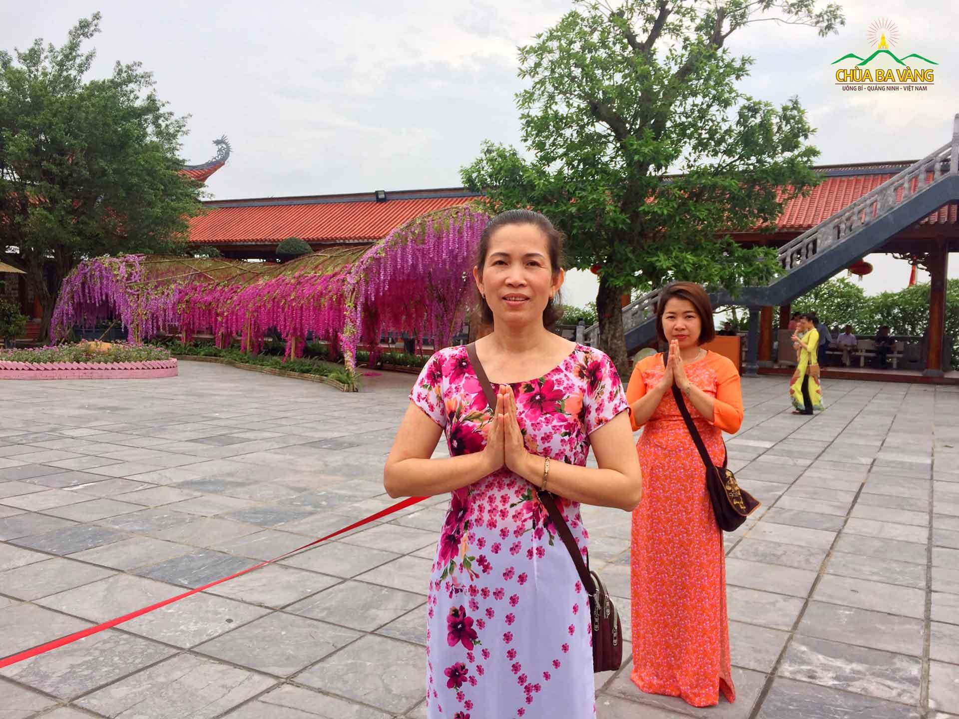 Phật tử Tống Thị Kim Yến chia sẻ cảm xúc hạnh phúc ngày được về chùa