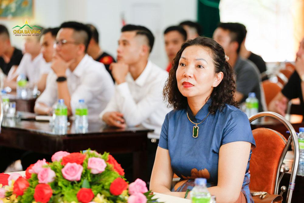 Bà Đoàn Tuyết Lan - Chủ tịch HĐQT Công ty Khách sạn Hồng Vận