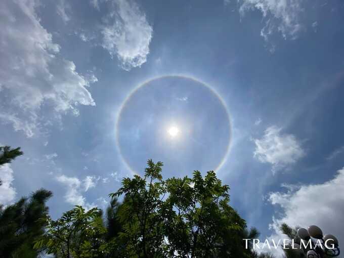 Hình ảnh vầng hào quang được thành viên trong đoàn Hiệp hội Du lịch Việt Nam chụp lại (Nguồn ảnh: Travelmag.vn)